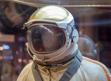 MOSCOU, RÚSSIA - 31 DE MAIO DE 2016: Spacesuit do astronauta do russo no museu de espaço de Moscou Imagem de Stock Royalty Free