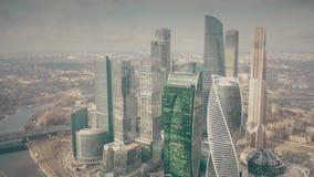 MOSCOU, RÚSSIA - 23 DE MARÇO DE 2019 Arranha-céus do centro de negócios internacional MIBC de Moscou, vista aérea video estoque