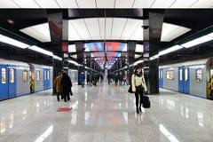 Moscou, Rússia - 17 de março 2018 o trem está chegando à estação de metro CSKA Fotografia de Stock Royalty Free