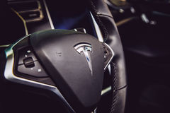 MOSCOU, RÚSSIA - 23 DE NOVEMBRO DE 2016: Interior da cabine o Tesla Mo Fotografia de Stock Royalty Free