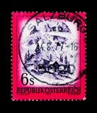 MOSCOU, RÚSSIA - 24 DE NOVEMBRO DE 2017: Um selo impresso em Áustria s Imagens de Stock Royalty Free