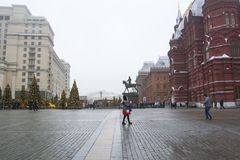 MOSCOU, RÚSSIA - EM DEZEMBRO DE 2017: Natal e ano novo no quadrado de Manege Estações de Moscou do festival Fotografia de Stock Royalty Free