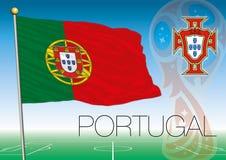 MOSCOU, RÚSSIA, junho-julho de 2018 - Rússia logotipo de 2018 campeonatos do mundo e a bandeira de Portugal Foto de Stock Royalty Free