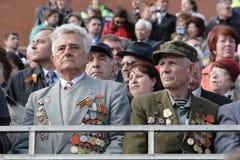 Moscou, Rússia - podem 09, 2008: celebração da parada de Victory Day WWII no quadrado vermelho Passagem solene do equipamento mil Foto de Stock Royalty Free