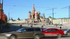 Moscou, Rússia, quadrado vermelho, catedral da intercessão da maioria de Theotokos santamente no templo do fosso do da manjericão video estoque