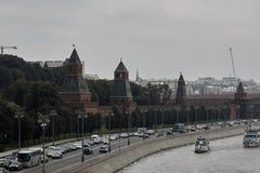 MOSCOU, RUSSIE - 28 août 2018 : Vue de la rivière et de Moscou Kremlin de Moscou Vue de touristes populaire de l'attraction princ images stock