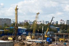 Moscou, Russie 1er octobre 2016 Une vue de construction avec le transport Photographie stock