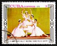MOSCOU, RUSSIE - 15 JUILLET 2017 : Un timbre imprimé dans les expositions 30 du Cuba Images libres de droits