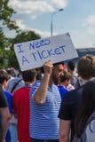 Moscou, Russie - 26 juin 2018 : Fans de foot sur le dur de rue de Moscou Photographie stock libre de droits