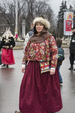 Moscou, Russie, le 12 mars 2016, le portrait de la femme dans le brigh Photo stock