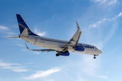 Moscou, Russie - 14 mars 2019 : Avions Boeing 737-800 VQ-BIZ des lignes aériennes de Yakutia s'attaquant au débarquement à l'aéro photos stock