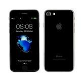 MOSCOU, RUSSIE - 22 OCTOBRE 2016 : Le nouvel iPhone noir 7 est un futé Images libres de droits