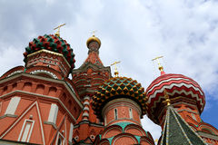 Moscou, Russie, place rouge, temple de Basil le monument bénie, de Minin et de Pojarsky Image stock