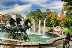 MOSCOU, RUSSIE - 18 septembre 2017 : Fontaine quatre saisons au Th Photo stock
