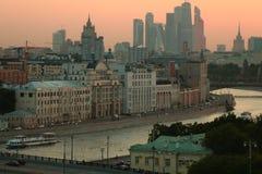 Moscou sur le coucher du soleil photo stock
