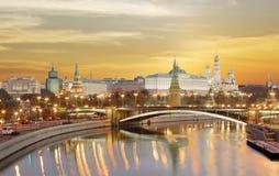 moscow лето красного цвета kremlin зоны 2005 после полудня Грандиозный дворец Кремля Стоковая Фотография RF