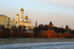 moscow Россия Взгляд к Москве Кремлю на заходе солнца Стоковые Фото