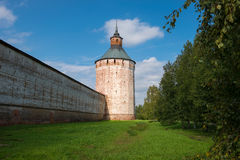 Moscow (Ferapontov) tower and walls of St. Cyril-Belozersky Mona. Stery. Vologda region, Kirillov, RussiaMoscow tower of Kirillo-Belozersky monastery. Vologda Royalty Free Stock Photos