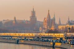 moscow flodrussia smog torsdag November 20 2014 Väder: Sol s Royaltyfri Fotografi