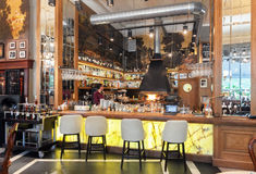 MOSCOW - JULY 2014: Interior of a luxury restaurant in the art deco style - Royalty Free Stock Photography