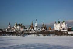 Moscow. Kremlin i Izmailovo. Panorama Arkivfoton