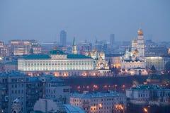 Moscow Kremlin på natten royaltyfri foto