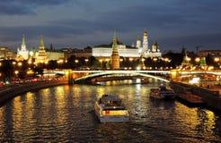 Moscow Kremlin på natten Färgfoto Fotografering för Bildbyråer