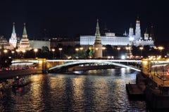 Moscow Kremlin på natten Färgfoto Royaltyfri Fotografi