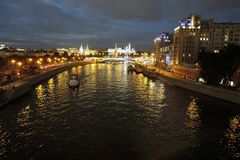 Moscow Kremlin på natten Färgfoto Arkivfoton