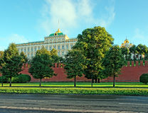 Moscow Kremlin palace, walls and Cathedral domes on the summer Stock Photography