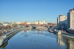 MOSCOW KREMLIN, RUSSIA. View on Moscow Kremlin and Moscow river from the bridge Stock Photos