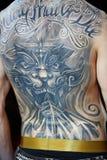 Tatuerad manligbaksida på för landskamptatuering för V Moscow regeln 2012 Royaltyfria Foton