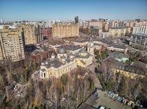 moscow Monast?rio de Pokrovsky da intercess?o da igreja ortodoxa do russo Opini?o a?rea do zang?o imagem de stock royalty free