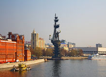 Moscow river. Bersenevskaya embankment,. Bersenevskaya embankment of Moscow river with the statue Peter the Grate Stock Photo