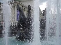 moscow Rosji Widok pracująca fontanna z rzeźbami konie zbiory