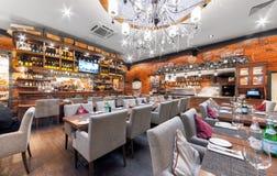 MOSCOW/RUSSIA - 2014年12月 主要大厅豪华意大利餐馆- il FORNO的内部 免版税库存照片