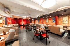 MOSCOW/RUSSIA - 2014年12月 内部印地安现代艺术咖啡馆 免版税库存图片