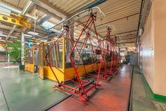 MOSCOW/RUSSIA - GIUGNO 2014; Tram dentro il deposito Tram dei pantografi dentro il deposito del tram Deposito del tram di Krasnop Fotografie Stock