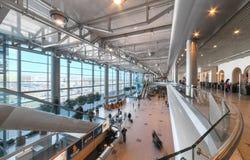 MOSCOW/RUSSIA - JUIN 2014 ; Hall intérieur de l'aéroport Domodedovo à Moscou Aéroport de Domodedovo - le plus grand et moderne ai Image libre de droits