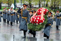 MOSCOW, RUSSIA - MAY 08, 2017: The Honor Guard of the 154 Preobrazhensky Regiment in the infantry uniform laying flowers to the To. Mb of Unknown soldier and Royalty Free Stock Photo