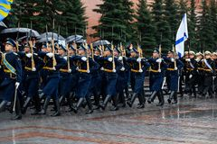 MOSCOW, RUSSIA - MAY 08, 2017: March-past parade of the The Honor Guard of the 154 Preobrazhensky Regiment. Rainy weather. Alexa. MOSCOW, RUSSIA - MAY 08, 2017 Stock Photos