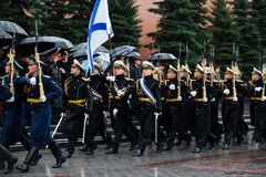 MOSCOW, RUSSIA - MAY 08, 2017: March-past parade of the The Honor Guard of the 154 Preobrazhensky Regiment. Rainy weather. Alexa Stock Photo