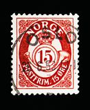 Post horn, serie, circa 1910. MOSCOW, RUSSIA - MAY 13, 2018: A stamp printed in Norway shows Post horn - New Die, 15 Ore due, serie, circa 1910 royalty free stock images