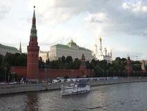 moscow russia Sikt av Kreml, Moskvafloden lager videofilmer