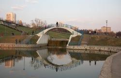 Moscow Russland See in einem Stadtpark lizenzfreie stockfotografie
