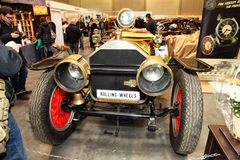 MOSCOW RYSSLAND - MARS 9: Amerikan LaFrance Speedster 1911 expos Royaltyfria Foton