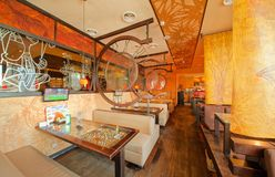 MOSCOW - SEPTEMBER 2014: The interior of the popular Japanese sushi restaurant Royalty Free Stock Photography