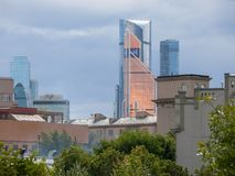 moscow Sorter av staden modern stigning för byggnader high arkivbild