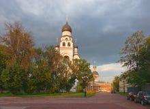 moscow Torre de sino da igreja e a igreja do Imagens de Stock