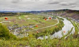 Moselle doliny widok na Wysokim Moselle i krajobraz Przerzucamy most const Fotografia Royalty Free